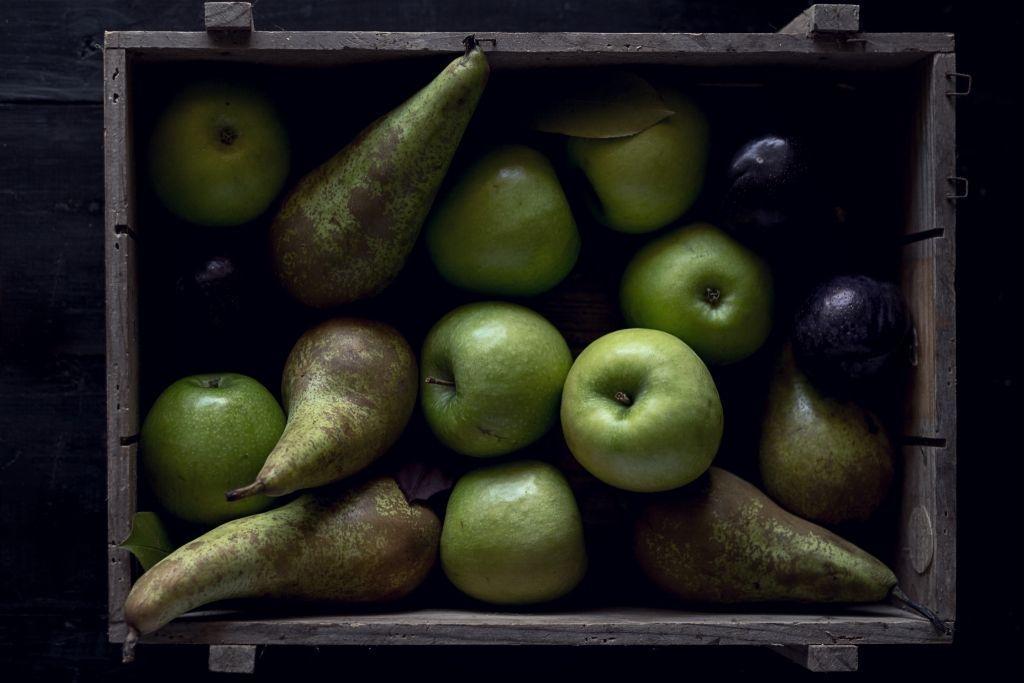 Omenoita ja päärynöitä, FODMAPissa kannattaa välttää.