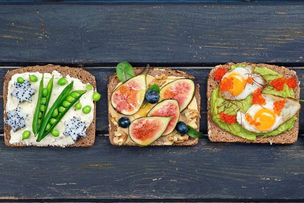 Terveellisiä ja herkullisia voileipiä.