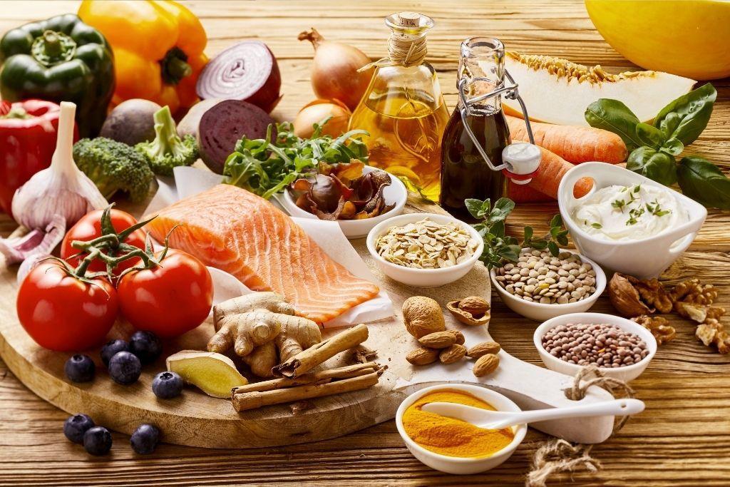 matala-asteista tulehdusta hillitseviä ruokia
